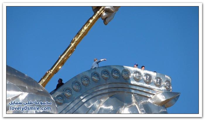 تمثال ضخم لجنكيز خان في منغوليا